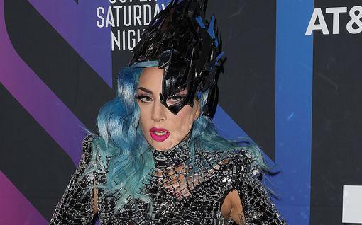 Tähdet rientävät apuun koronataistelussa – Elton John lahjoittaa rahaa, Lady Gaga ilmoitti tukikonsertista