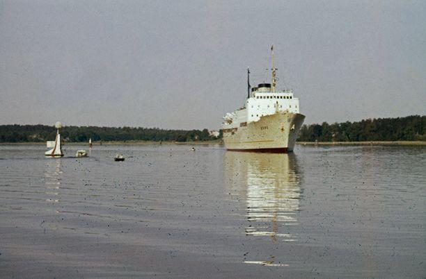 Kristina Reginan alkuperäinen nimi oli S/S Bore. Uudenkarhea Bore saapuu tässä Turun vesille vuonna 1961.