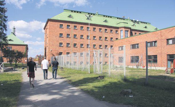 Turvapaikanhakijoita on majoitettu muun muassa Konnunsuon vankilaan Joutsenossa.