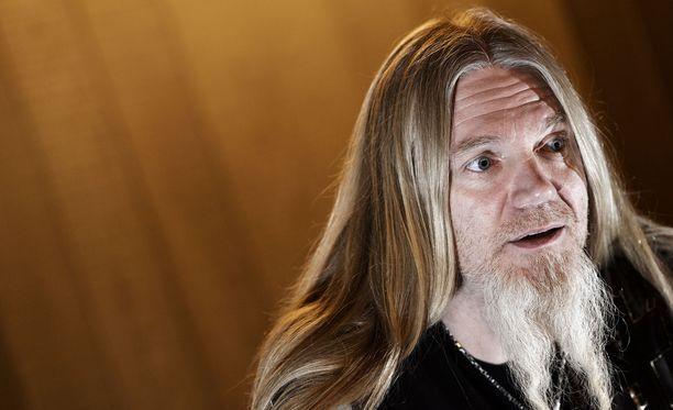 Marco Hietala oli se henkilö, joka otti ensimmäisenä puheeksi Tarja Turusen potkut.