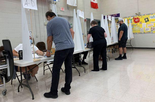 New Hamshiressa pidettiin tiistaina esivaalit, joissa valittiin varsinaiset ehdokkaat syksyn kongressivaaleihin.