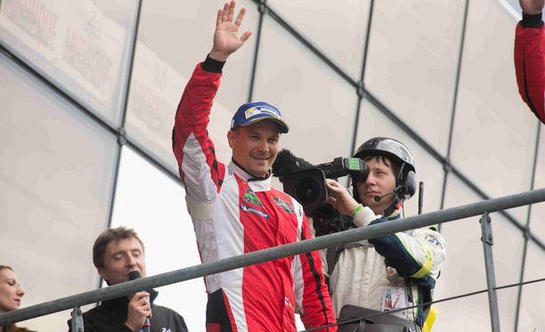 Toni Vilander ajaa Ferrarin tallissa FIA WEC -sarjassa.