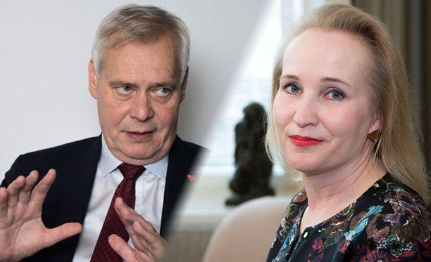 Pääministeri Antti Rinne ja Teknologiateollisuuden työmarkkinajohtaja Minna Helle.