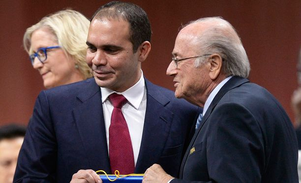 Prinssi Ali haastaa Sepp Blatterin Fifan puheenjohtajavaalissa.