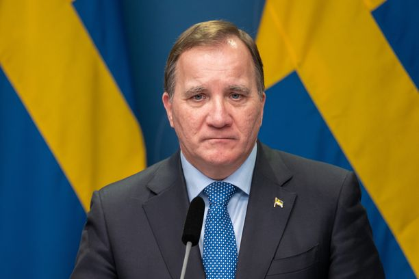 Pääministeri Stefan Löfven haluaa Ruotsin koronatartuntakäyrän kuriin.