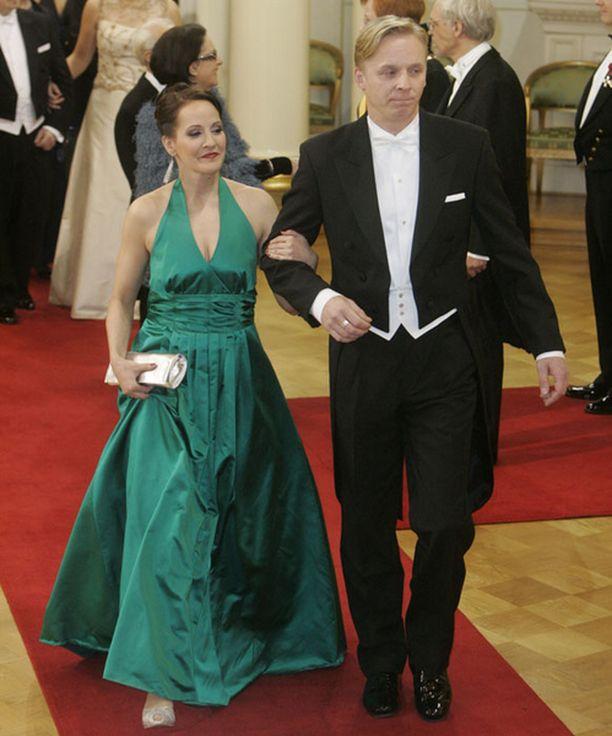 Näyttelijäpariskunta Vuokko Hovatta ja Eero Aho näyttäytyivät nyt ensi kertaa yhdessä julkisuudessa.