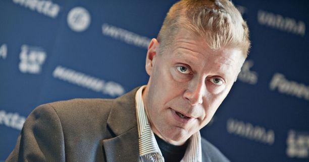 Kari Saarinen siirtyy Terveyden ja hyvinvoinninlaitoksen hallintojohtajaksi.