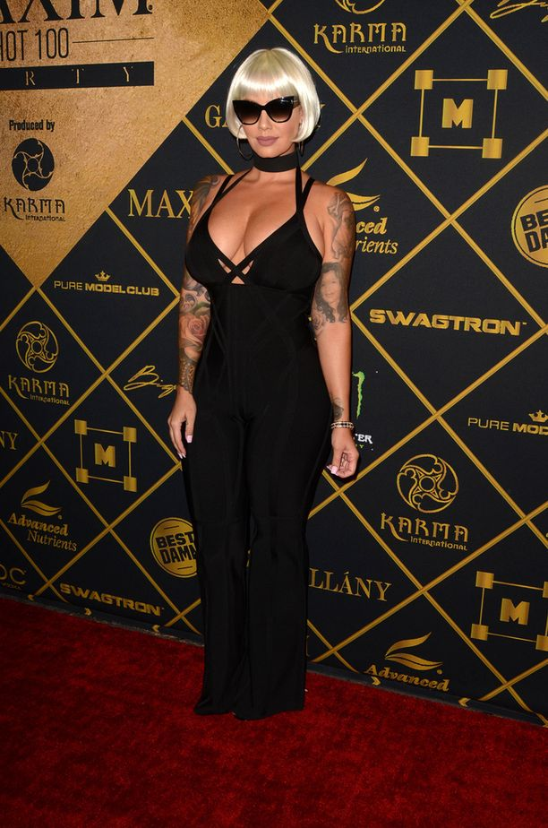 Amber Rose edusti tyylikkäänä Maxim-lehden bileissä.