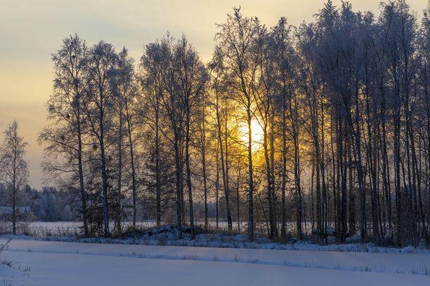 Lunta tupruttaa keskiviikkona vielä Länsi-Suomeen, mutta sitten säässä tapahtuu käänne ja lumet saavat kyytiä.
