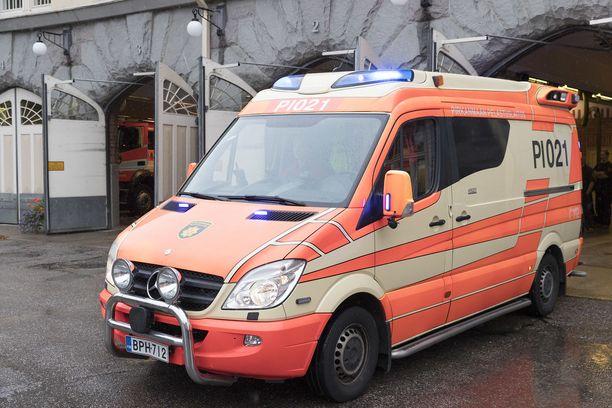 Uudet ambulanssit ovat aiempaa painavampia. Kuvituskuva.