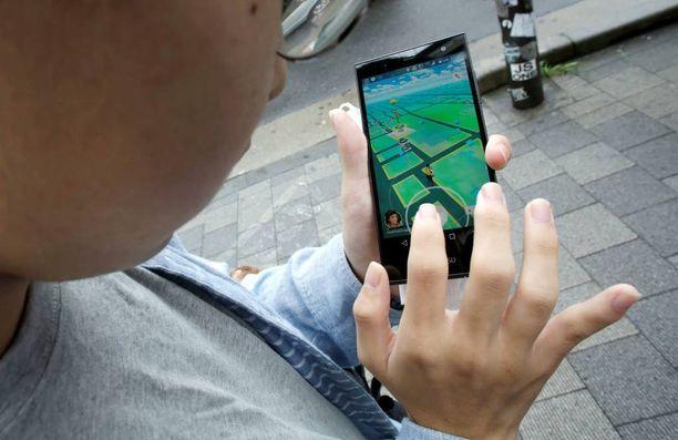 Tuija haluaa varoittaa muita vanhempia Pokémon Gon aiheuttamista lieveilmiöistä.