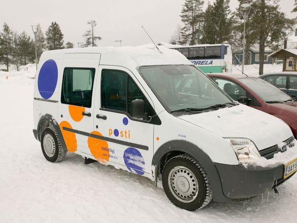 Postiauto Pohjois-Suomessa. Kuvituskuva.