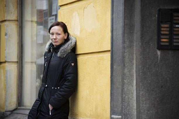 Janna Sandström meni huumeidenkäyttäjien korvaushoitoon melkein heti, kun hän sai asunnon marraskuussa 2003. Päihteetöntä elämää on takana jo 12 vuotta.