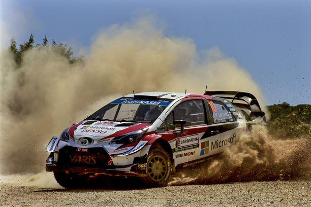 Jari-Matti Latvala ajoi viime vuonna Sardiniassa Toyotan tehdaskuljettajana.