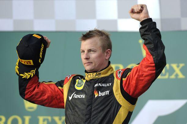 Kimi Räikkönen tuuletti voittoa Australian GP:ssä 2013 Lotuksen riveissä. Sen jälkeen voittajan korokkeelle ei ole moni talli noussut.