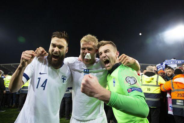 Tim Sparv, Paulus Arajuuri ja Lukas Hradecky johdattavat Suomen altavastaajana ensi kesän EM-kilpailuihin.