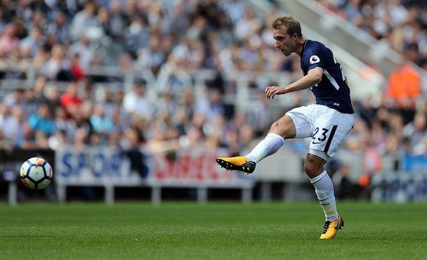 Christian Eriksen pyöritti Tottenhamin peliä vieraskentällä.