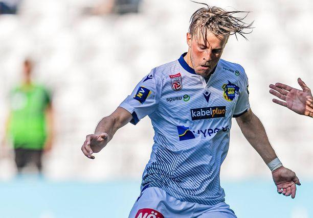 Roope Riski saapuu tähdittämään HJK:n hyökkäystä ensi kaudeksi.