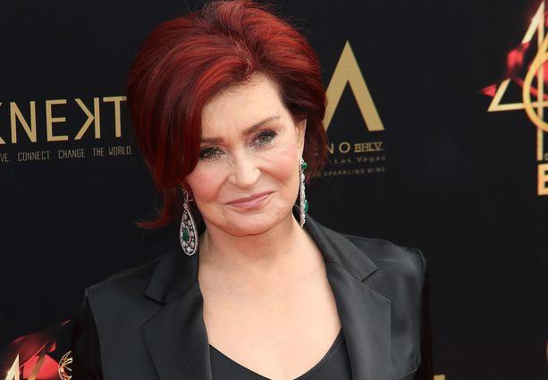 Sharon Osbourne on alkanut mielestään näyttää liikaa äidiltään.