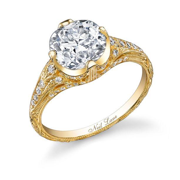 Liam Hemsworthin Miley Cyrukselle antamassa sormuksessa on timantteja 3,5 karaatin verran.
