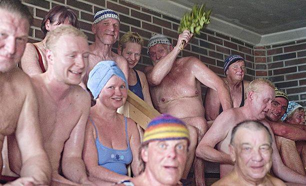 Tamperelaiset tiesivät saunomisesta paljon jo vuonna 2010. Kuva on Kaupinojan saunalta Näsijärven rannalta.