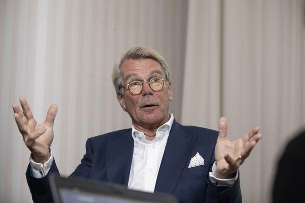 UPM:n hallituksen puheenjohtaja Björn Wahlroos.