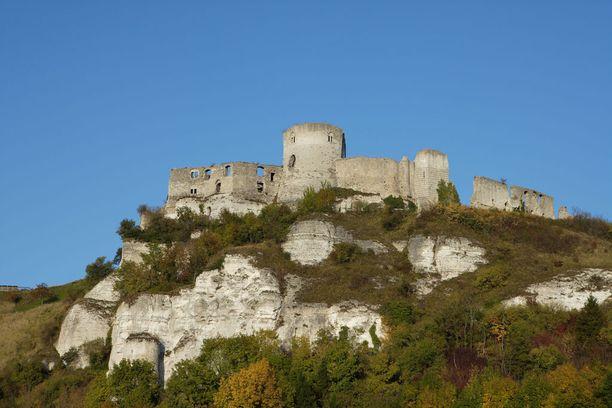Château Gaillard nousi strategisesti tärkeällä paikalle Pariisin ja Rouenin välimaastoon.