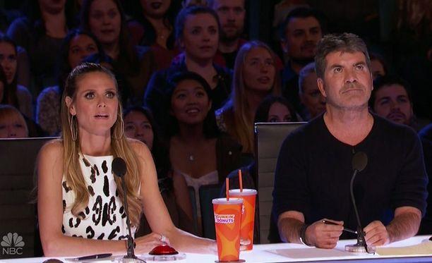 Heidi Klum ja Simon Cowell ovat kykykilpailun tuomaristossa.