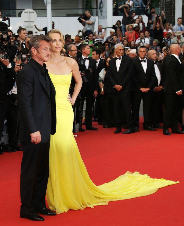Cannesissa juhlittiin Charlize Theronin uuden elokuvan ensi-iltaa.