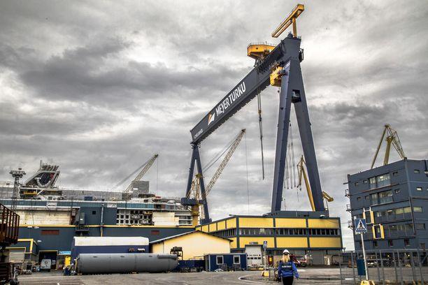 Meyer Werftin Turun telakka on suureksi työllistäjäksi nousseen suomalaisen meriteollisuuden lippulaiva. KUVA: SARITA PIIPPONEN/KL.