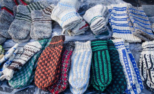 Villasukat lämmittävät jalkoja ja mieltä. Osta villasukat järjestöltä, joka lahjoittaa niistä saadun tuoton hyväntekeväisyyteen ja saat hyvän mielen tuplana.