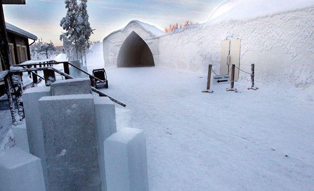 Elokuvaa kuvataan muun muassa Arctic Snowhotellissa, joka lavastetaan Lumikuningatteren linnaksi.