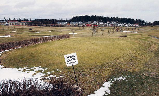 TÄHÄN ASUNTOJA? Espoon Ringside Golf on saanut SATOlta 17 miljoonan tarjouksen, jonka taustalla on aie muuttaa kenttä asuinalueeksi.
