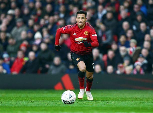 Alexis Sánchez pääsee perjantaina entiselle kotikentälleen Emirates-stadionille.
