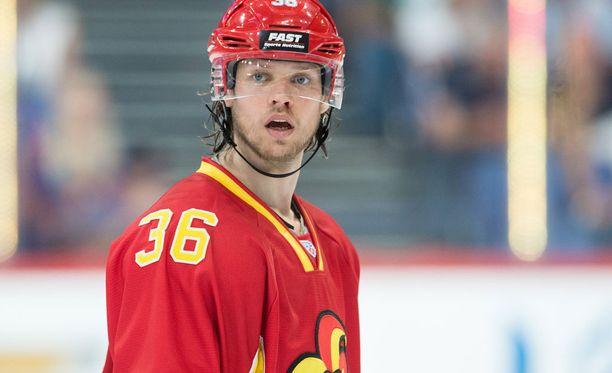 Philip Larsen on kokenut kovia tällä kaudella.