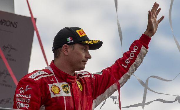 Hyvästi palkintokorokesijoitukset? Kun Kimi Räikkönen siirtyy Ferrarilta Sauberille, hänen sijoitusodottamansa laskee merkittävästi - siitäkin huolimatta, että Sauberilla ollaan tekemässä tuntuvia panostuksia Alfa Romeo -yhteistyön merkeissä.