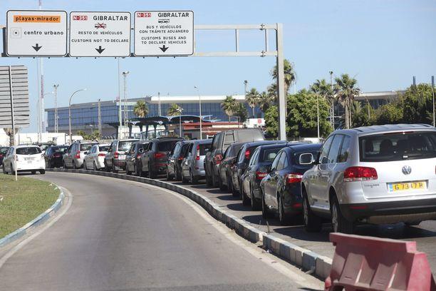 Mikäli Gibraltar eroaisi Euroopan unionista Britannian mukana, rajan ylityksestä saattaisi tulla aiempaa hankalampaa.