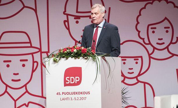 Antti Rinteellä on suosikki SDP:n presidenttikisassa.