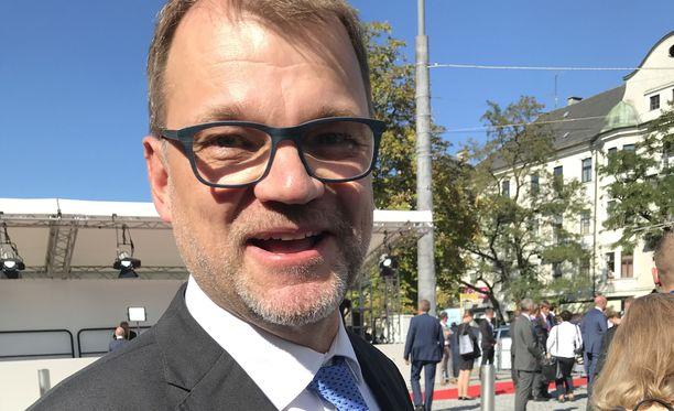Pääministeri Juha Sipilä on päättänyt hymyillä vuoden alussa tehdyn päätöksen vuoksi.