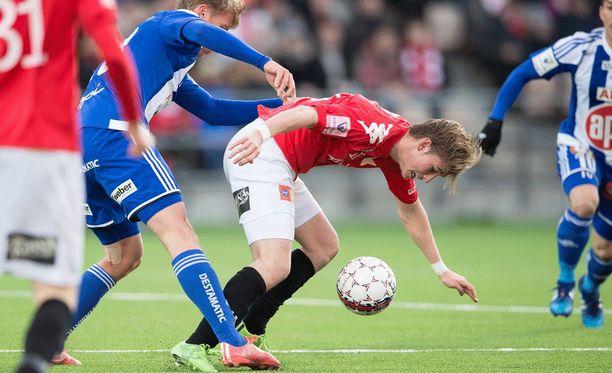 HIFK:n Fredrik Lassas pelasi väkevästi Stadin derbyssä.
