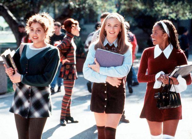 Stacey Dash (oik.) oli vastanäyttelijöitään vanhempi. Brittany Murhpy oli Cluelessin ensi-illan aikaan 18 ja Alicia Silverstone 19.