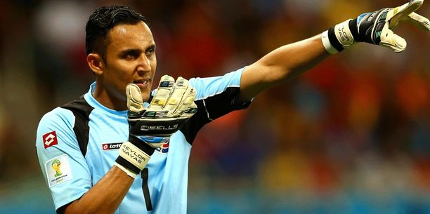 Keylor Navasin siirto aiheuttaa lähtöpassit joko Diego Lópezille ja Iker Casillasille.
