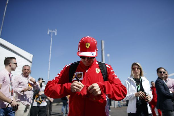 Vaikka Kimi Räikkösen viimeisimmästä F1-voitosta on kulunut jo yli viisi vuotta, hänen käsialanäytteensä on vuodesta toiseen varikon halutuimpia.