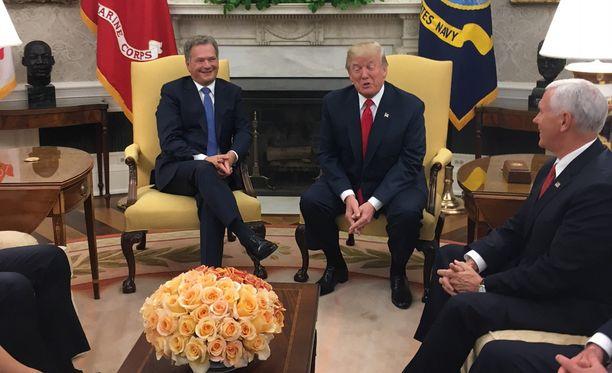Niinistö ja Trump olivat Oval Officessa.
