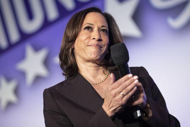 Demokraattiehdokas Joe Biden valitsi aisaparikseen senaattori Kamala Harrisin.