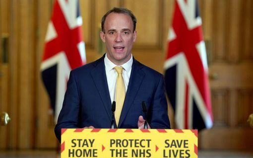 """Virkaa tekevä pääministeri uskoo Boris Johnsonin pikaiseen paranemiseen – """"Hän on taistelija"""""""