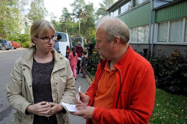 Perjantaina vastaava ohjaaja Heidi ja ohjaaja Jari käyvät läpi uusimman hätämajoituspaikan tiloja. Aiemmin veimme paikalle patjoja. Sänkyjä jo jonkin aikaa tyhjillään olleessa kiinteistössä ei enää ole. Heidi toivoo, että kyseiset tilat auttavat viikonlopun ylitse.