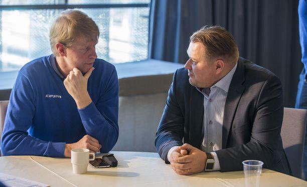 Jukka Rautakorpi oli Rauli Uraman edeltäjä Jääkiekkoliiton huippu-urheilujohtajana.