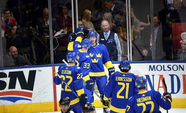 Anton Strålman juhli voittomaalia Leijonia vastaan.