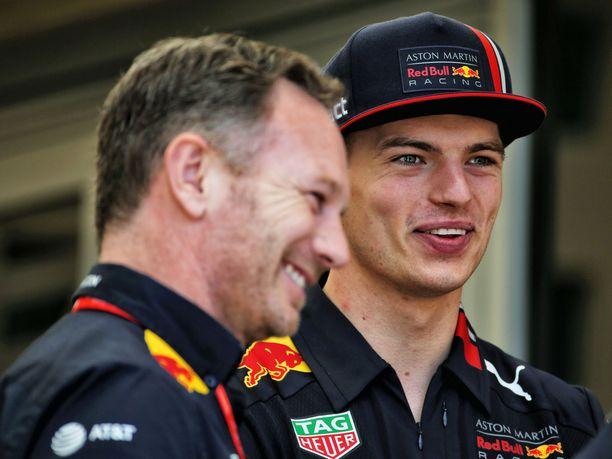 Max Verstappen olisi noussut Bahrainin GP:ssä kolmossijalle ilman Renault'n tuplakeskeytystä. Sekä Verstappen että tallipäällikkö Christian Horner ovat viime kuukausien saatossa naureskelleet ex-kumppani Renault'n vastoinkäymisille.